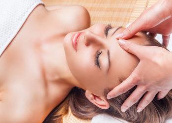 Body & Mind massage by HANKA KRASZCZYŃSKA - masaż głowy, twarzy, szyi i dekoltu / face, head, neck and neckline massage