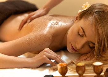 Body & Mind massage by HANKA KRASZCZYŃSKA - masaż peelingujący / scrub massage