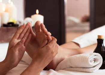 Body & Mind massage by HANKA KRASZCZYŃSKA - masaż stóp z elementami refleksologii / foot massage with reflexology elements