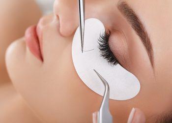 Salon fryzjerski kosmetyczny She & He - uzupełnianie rzęs 2-3d