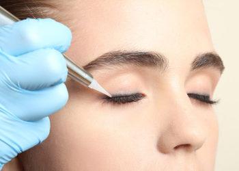 Salon fryzjerski kosmetyczny She & He - oczy kreska górna /zagęszczenie