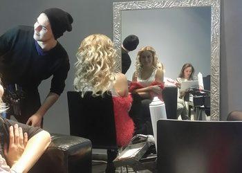 Salon fryzjerski kosmetyczny She & He - fryzura ślubna próbna