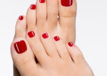 YASUMI MEDESTETIC WARSZAWA BEMOWO - malowanie paznokci stóp lakierem hybrydowym