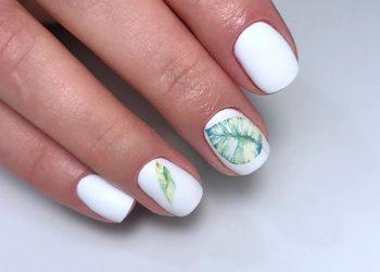 Moda na Sukces - manicure hybrydowy- karina