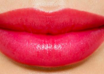 VKM Hawana Clinic - makijaż permanentny ust kontur + wypełnienie