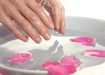 MONA Studio Urody - kąpiel parafinowa dłoni