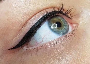 Yennefer Nails & Beauty - kreska górna - eyeliner (ozdobna) promocja