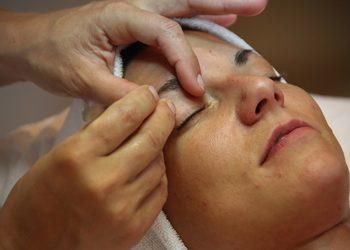 Klinika Piękna Monika Frąk - regulacja brwi