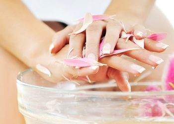 Victoria Day Spa luxury na Rynku - manicure hybrydowy spa shellac (peeling+maska+parafina)