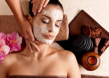 """Victoria Day Spa luxury na Rynku - pakiet """"dla ciebie wszystko..."""" (zabieg na twarz babor, komplet henna rzęs i brwi z regulacją, masaż relaksacyjny pleców)"""