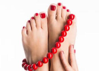YASUMI MEDESTETIC, INSTYTUT ZDROWIA I URODY – WARSZAWA POWIŚLE  - manicure stóp (z malowaniem)