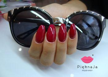 Piękna Ja Indigo Nailsalon - uzupełnienie paznokci żelowych jeden kolor
