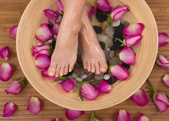 LOOK Salon Piękna - 06 pedicure zabieg parafinowy na stopy( peeling+maska+parafina)