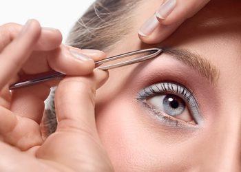 """Salon Fryzjersko- Kosmetyczny """"Hryszko Hair&Beauty"""" - regulacja brwi"""