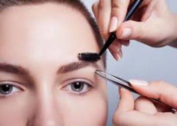 Salon Kosmetyczny Sekrety Urody - regulacja brwi tradycyjna/woskiem