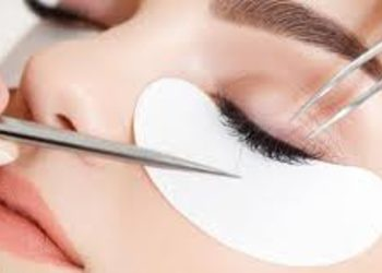 Salon Kosmetyczny Sekrety Urody - uzupełnianie rzęs