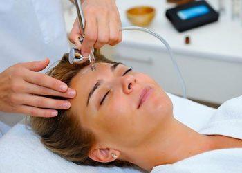 GLAM Hair&Beauty Salon - m'onduniq siła jadu węża z technoologia komórek macierzystych-terapia liftingująco odmładzająca i przeciwzmarszczkowa dla skóry normalnej i mieszanej