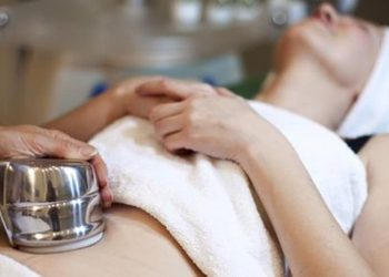 Klinika Urody Lorenzo Coletti - rf (monopolar)  napięcie skóry oraz zmniejszenie porów w obrębie środkowej części policzków  (201)