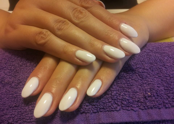 Stillo Belleza - manicure  + lakierowanie klasyczne