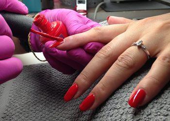 Beauty and Harmony - manicure klasyczny damski opi shine