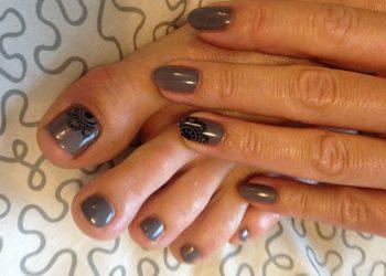 Beauty and Harmony - malowanie paznokci jednolite stopy