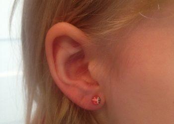 Beauty and Harmony - przekłucie uszu kolczykami bezniklowymi