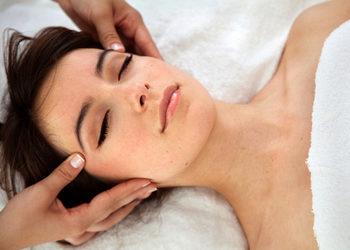 Totalna Kosmetyka - ekskluzywny masaż twarzy relaksujący z aromaterapi