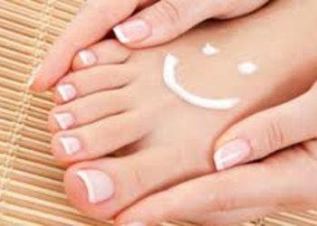 Instytut Kosmetologii Twarzy i ciała MONROE - maska regeneracyjna na stopy do pedicure