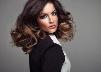 Salon fryzjerski kosmetyczny She & He - modelowanie włosów