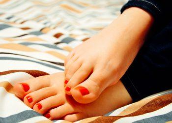 Royal Vital Sienna 93 - malowanie paznokci u stóp lakierem jessica