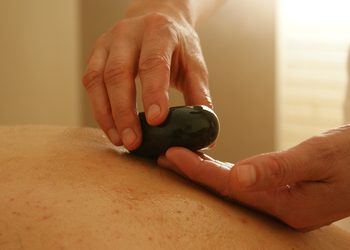 Royal Vital Sienna 93 - masaż gorącymi kamieniami 30 min.