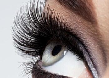 Instytut Kosmetologii Twarzy i ciała MONROE - przedłużenie rzęs metoda  1:1