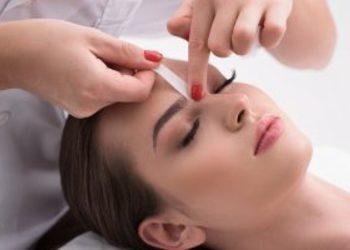 Crystal Clinic - depilacja brwi woskiem