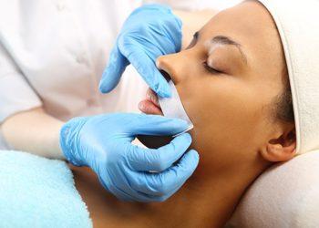 Instytut Kosmetologii Twarzy i ciała MONROE - wąsik/brwi- depilacja woskiem