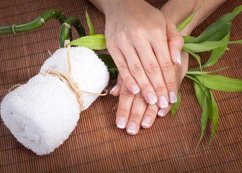 TomaszaSPA - manicure zwykły+ odżywka