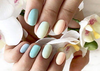 SiSi CARE - manicure hybrydowy