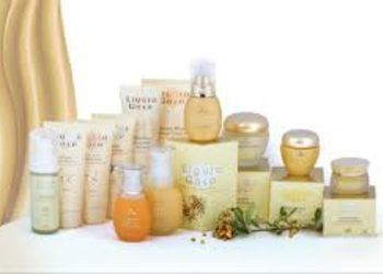 LiqRise Day Spa. Instytut Zdrowia i Urody. - anna lotan ,,liquid gold''