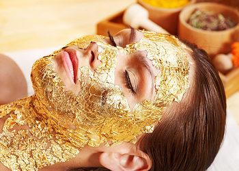 SHARI Beauty Clinic - zabieg gold z maską z 24 karatowego złota (twarz, szyja)