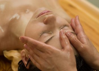 KLUB PIĘKNA Gabinet Kosmetyczny  - masaż twarzy, szyi i dekoltu