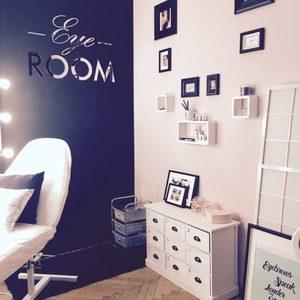 Eye room8