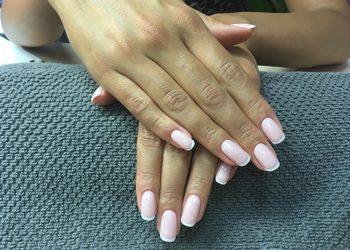 Salon Urody Rokoko - manicure hybrydowy french