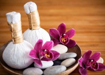Klinika Urody - masaż stemplami ziołowymi