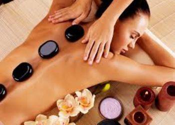 Klinika Urody - masaż gorącymi kamieniami