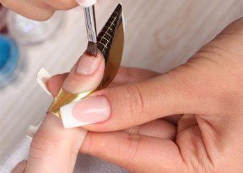 Przedluzanie paznokci zel