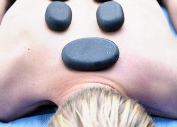 FizjoNowa gabinet masażu Monika Łysuniec - masaż gorącymi kamieniami (7)