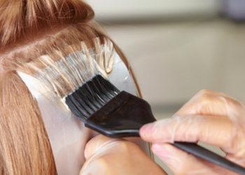 Salon Fryzjerski CLAIR DE LUNE - pasemka+kolor na podstawie - włosy średnie
