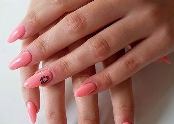 STUDIO MAESTRIA RADOM - przedłużanie paznokci tips + akryl