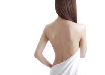 QUISKIN Beauty Clinic - mikrodemabrazja diamentowa - plecy