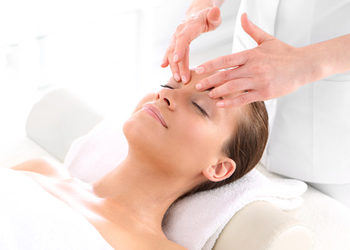 Fabryka Urody - masaż + serum + maska algowa (twarz)