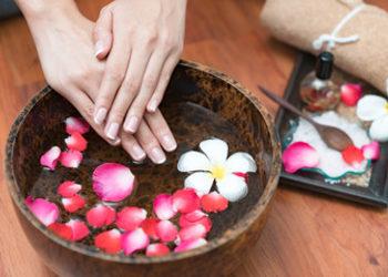 QUISKIN Beauty Clinic - piękne dłonie - rytuał pielęgnacyjny ( peeling, maska, masaż)
